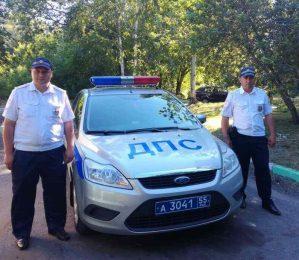 Омские автоинспекторы оперативно доставили в больницу грудного ребенка, нуждавшегося в медицинской помощи